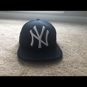 Flatbill Navy yankee hat